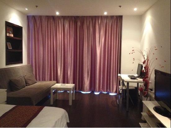 Mingjie Apartment Hotel Dalian Bainianhui : 精品电脑房,床宽1.8*2米