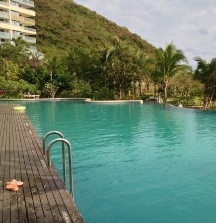 Serenity Coast Resort Sanya: 泳池
