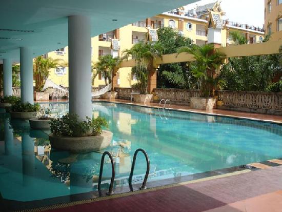 King Land Hotel: 游泳池