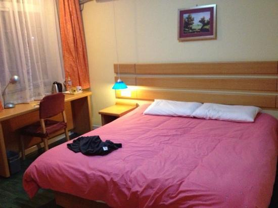 Home Inn Qingdao Railway Station Square