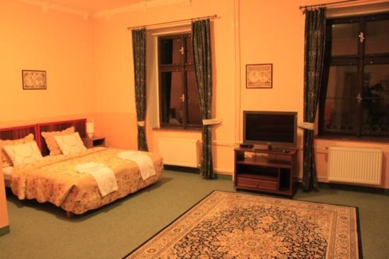 โรงแรมโคลัมโบ: 标间 很大