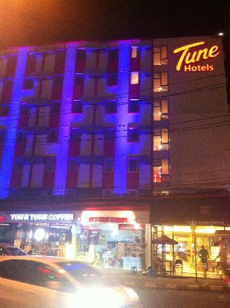Red Planet Pattaya: 酒店外观