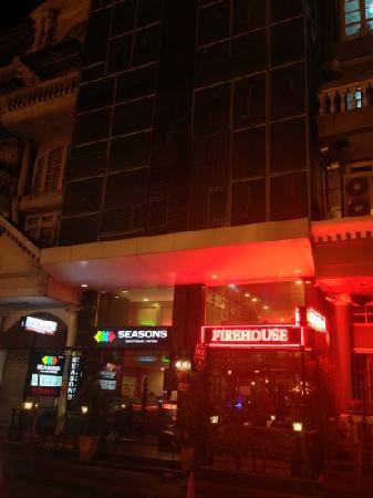 Studio Sukhumvit 11 by iCheck inn: Hotel exterior