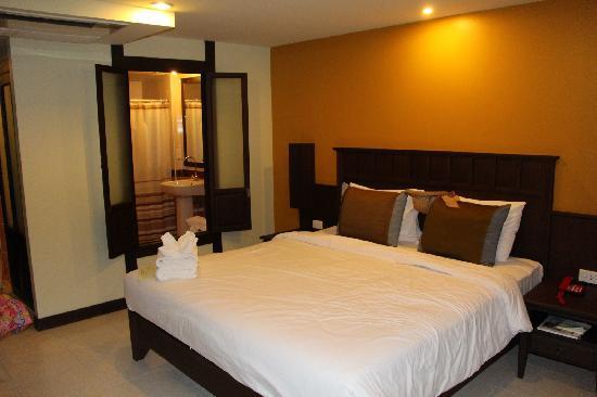 Poppa Palace Hotel Phuket: 房间
