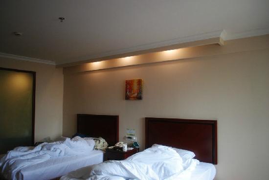 GreenTree Inn Huangshan Tiandu Avenue: 床
