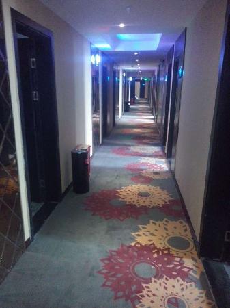 Yueyou Hotel Chongqing Jiefangbei Xiaoshizi