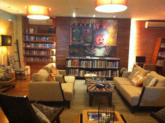 Baboona BeachFront Living: 酒店的大厅,布置的可文艺了呢~