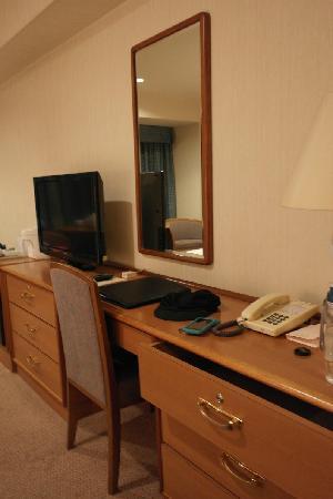 Loisir Hotel Toyohashi: 写字台