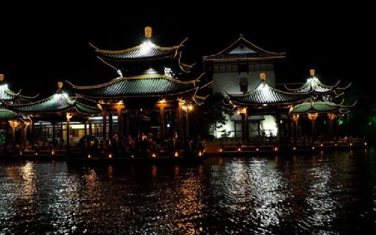 Nantong Hao River: 夜游濠河