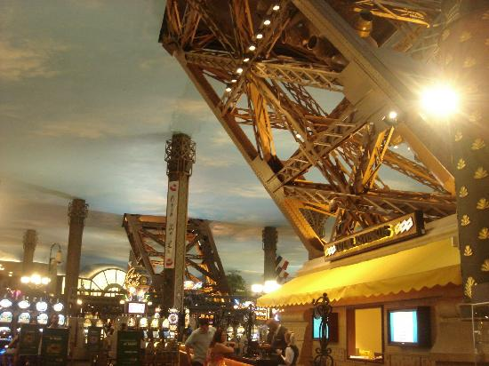 Caviar Wine Picture Of Eiffel Tower Restaurant At Paris Las Vegas La