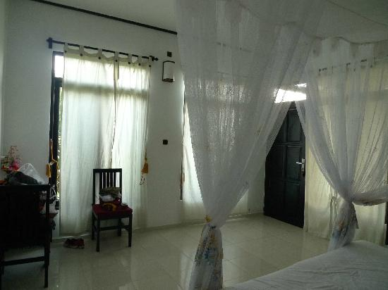 Doubleyou Home Stay: 1