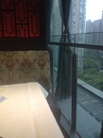 ShangHai FeiCui Restaurant (Xintiandi): 翡翠窗外