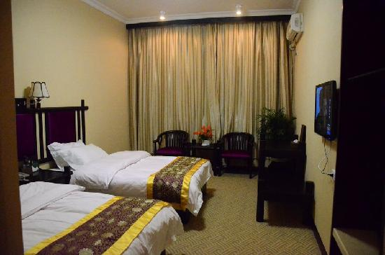 Ali Moutain Hotel : 豪华双床房