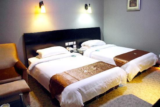 Jinyu International Hotel: 普通标间