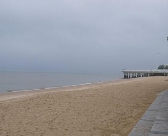 Baicheng Beach: 白沙滩
