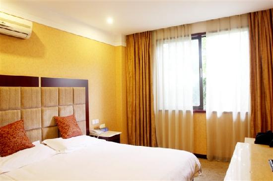 Ruixin Sunny Business Hotel: 单间