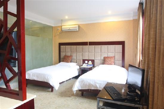 Ruixin Sunny Business Hotel: 标间