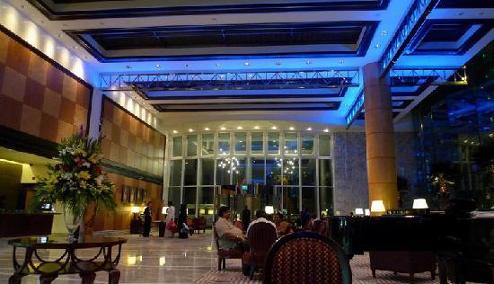 Jood Palace Hotel Dubai: 迪拜泰姬皇宫酒店炫目的大堂