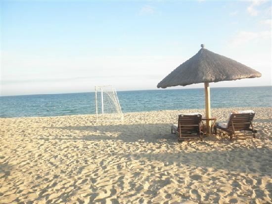 Renaissance Sanya Resort & Spa: private beach