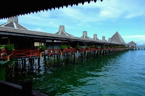 Dragon Inn Resort: 水上屋