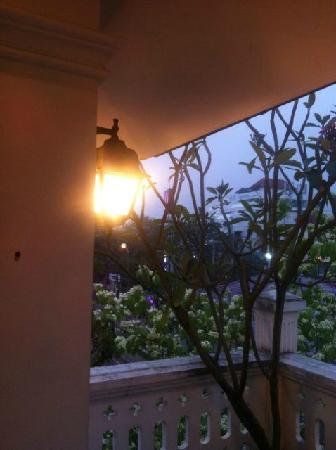 Baan Say La Guest House: balcony on the top floor