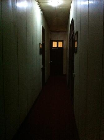 Lvyang Hotel : 房间门外