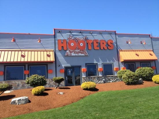 Hooters Saugus Restaurant Reviews Phone Number