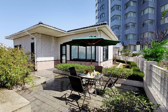 Aster Hotel: 花园别墅