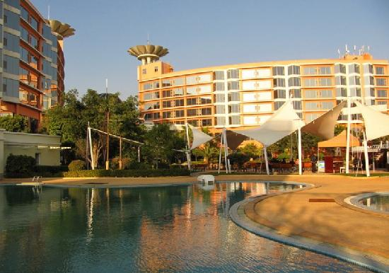 Guanfang Hotel Honghe: 蒙自红河官房大酒店
