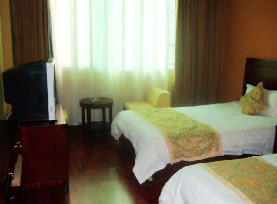 Yin Yan Business Hotel: 酒店外景