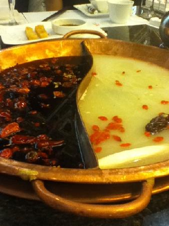 Xiang Tian XiaQing You Hotpot (GuangHua Cun)