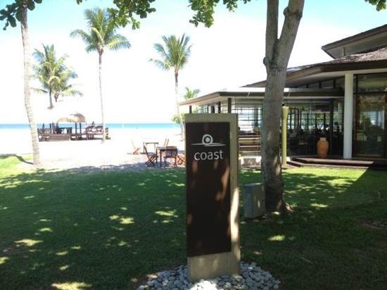 Sabah Oriental Hotel: 海边