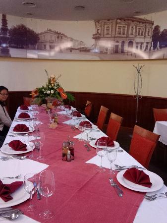 Hotel Savus: 餐厅