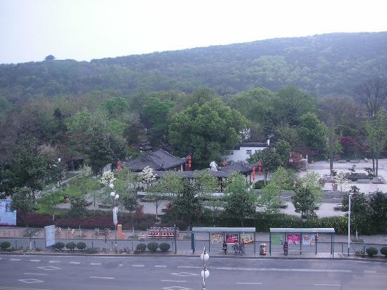 Yushan Mountain National Forest Park: 虞山公园远景