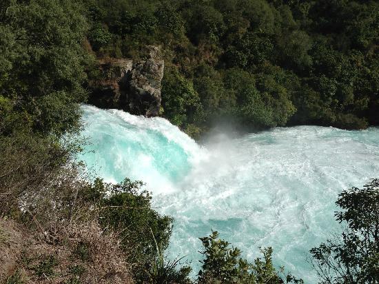 Huka Falls tracks: 很壮观