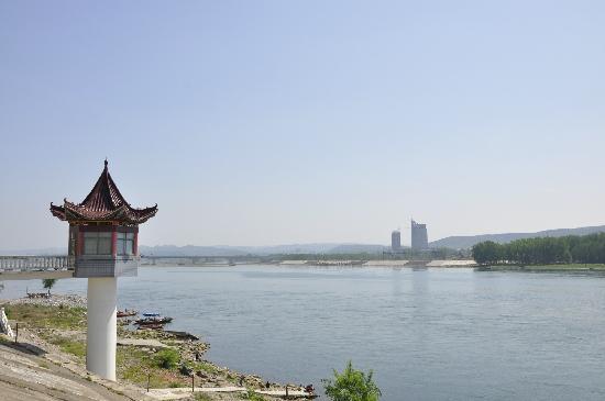 Danjiang Dam: 远眺
