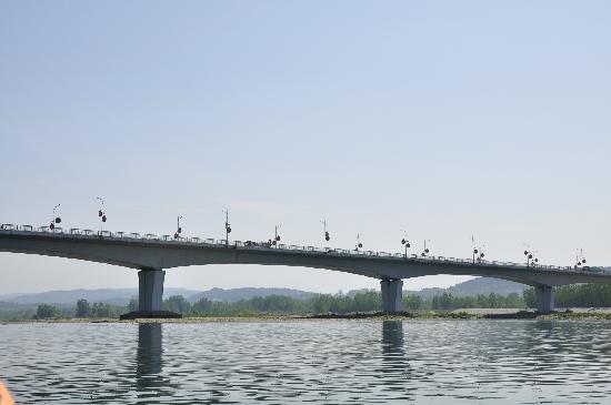 Danjiang Dam: 大桥