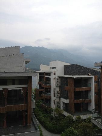 Tianmu Jiangxi Lushan Hotspring Resort: 看得到的庐山
