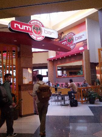 Rum Bar & Grill