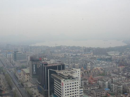 Hangzhou Hotel: 旋转餐厅看出去