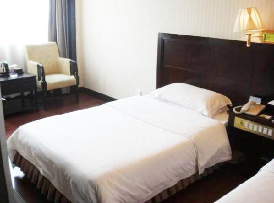 Photo of Vienna Hotel (Shenzhen Huazhisha)