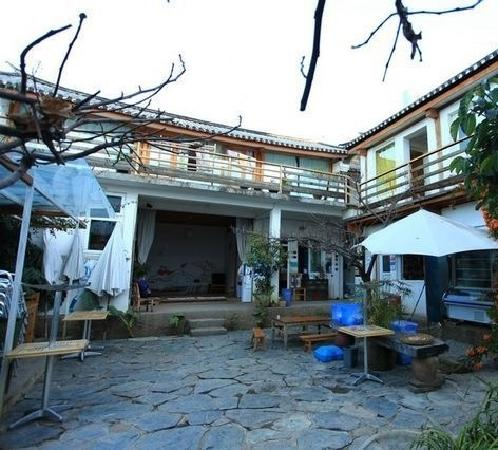 Sky Sea Lodge Hostel : 小院