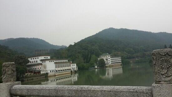 Shimen National Forest Park: 温泉宾馆