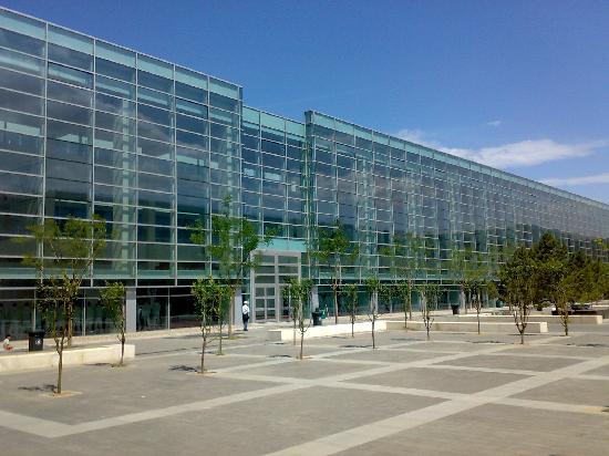 New China International Exhibition Center: 正门