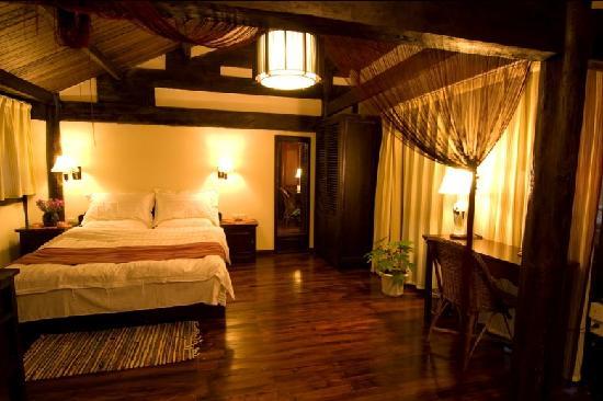 Fenghuangge Hostel: 精致美景大床套房