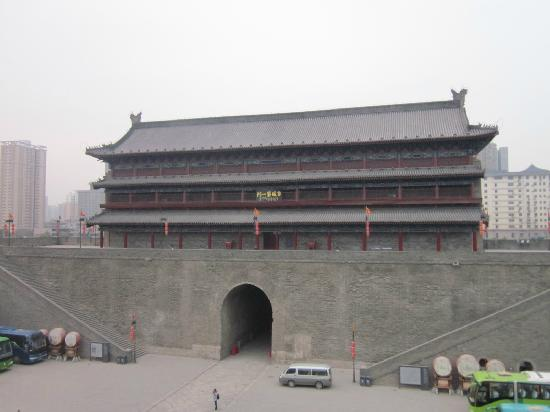 Hanguanmen Site Museum of Xi'an Tang City Wall: 古城第一门