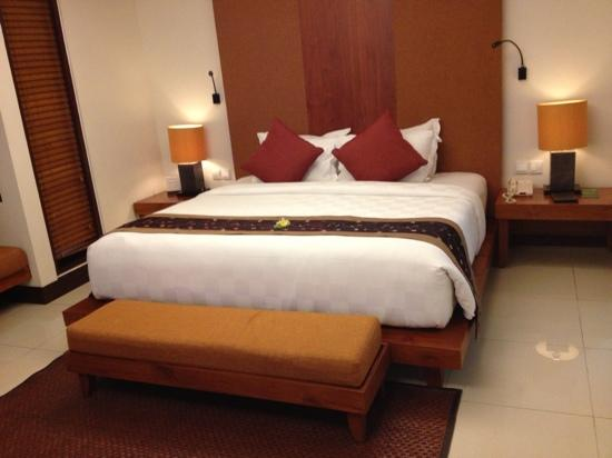 Rama Beach Resort and Villas: villa内部