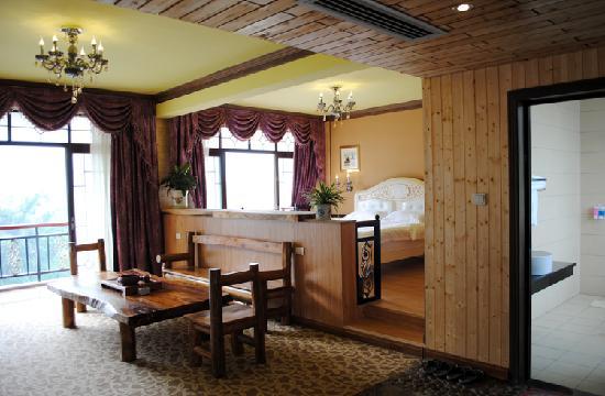 Yangshuo River Valley Resort Hotel: 豪华 山景 家庭套房  双阳台 安静 闲适