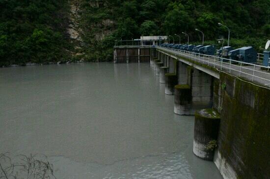 Hydroelectric Dam : 大坝