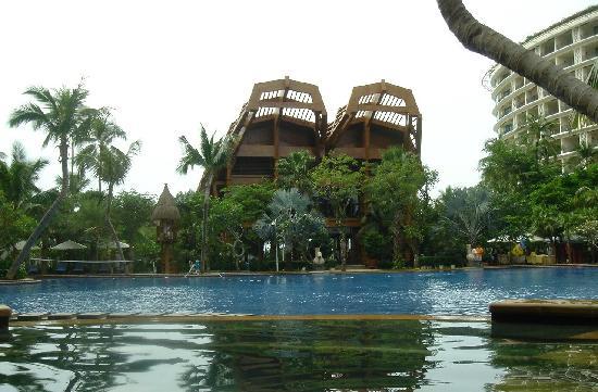 Ocean Sonic Resort: 泳池